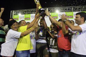 Divaldo Franco conquista título da primeira edição da Taça das Grotas